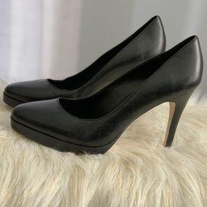 Steve Madden genuine leather black shoes size 8M